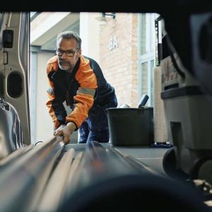 Smart Cargo – läpilastausluukku; avaamalla Proacen läpilastausluukun saat Proaceen reilu metrin lisätilaa. Proacen varustelu on ...