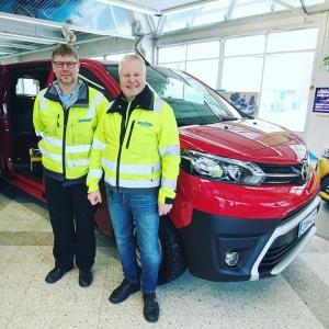 Uudet Toyota Proacet valmiina töihin: Casaneera Oy:n toimitusjohtaja Ilkka Olkkonen ja työpäällikkö Pasi Jakonen ovat olleet tyytyväisiä Toyotan tavara-autoihin 👍 https://www.casaneera.fi/