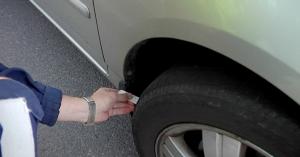 Autokansan rengashuoltoa syynätään läpi viikon poliisin valvontaratsioissa